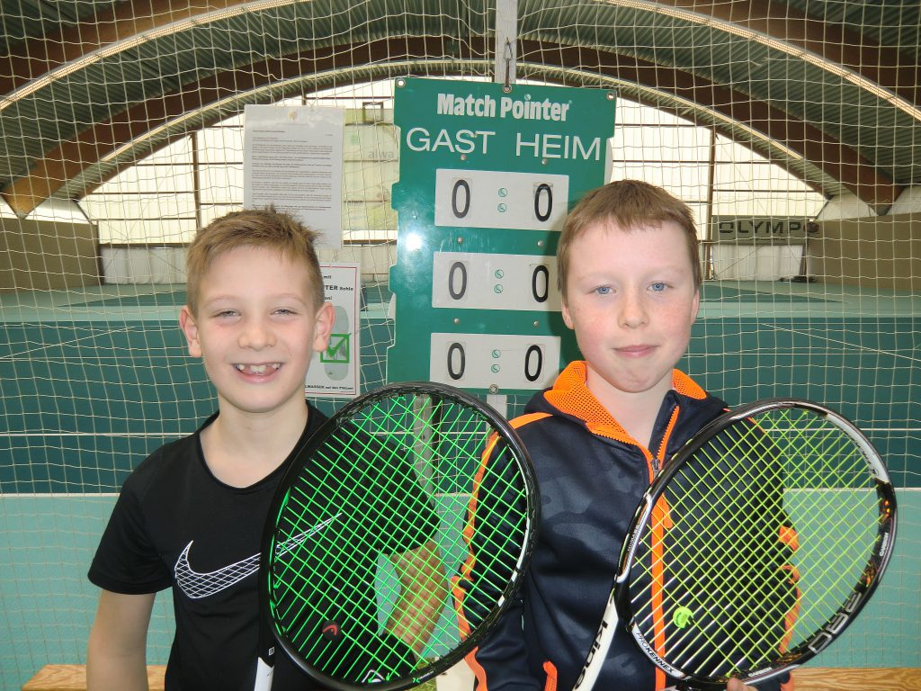 Die Finalisten bei U10: Vincent Selmeczi (links) und Julian Schäufele.